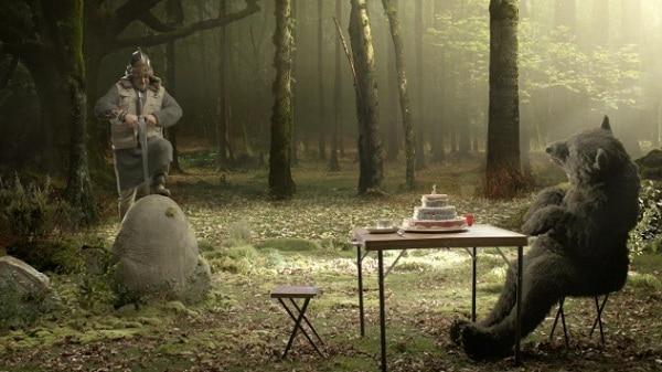 Le chasseur et l'ours Tipp-Ex se retrouve à l'époque du roi Arthur