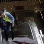 Buzz – Le chanteur Stromae ivre sur la voie public à Bruxelles.
