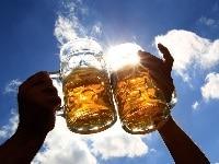 une bonne bière entre amis