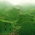 Un village fantôme où la nature a repris ses droits